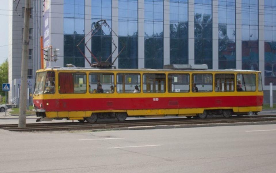В Барнауле трамваи сходили с рельсов уже 15 раз в 2021 году