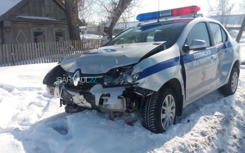 В полиции раскрыли обстоятельства аварии с машиной ДПС на Алтае