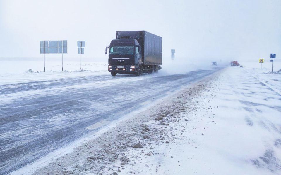 В Алтайском крае полностью закрыли движение по участку Р-256