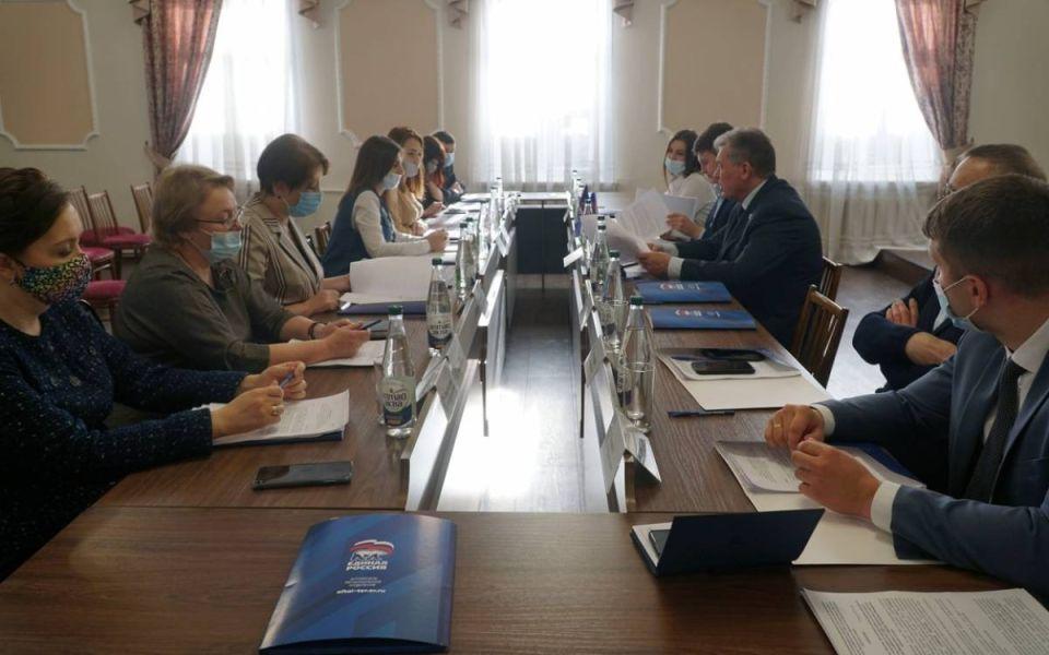 Первые участники праймериз 'Единой России' зарегистрировались в Алтайском крае