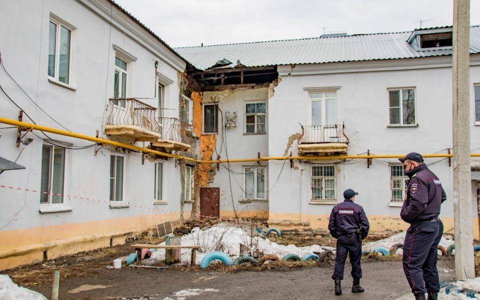 Дом в Барнауле, из которого эвакуировали жильцов, планировалось снести в феврале