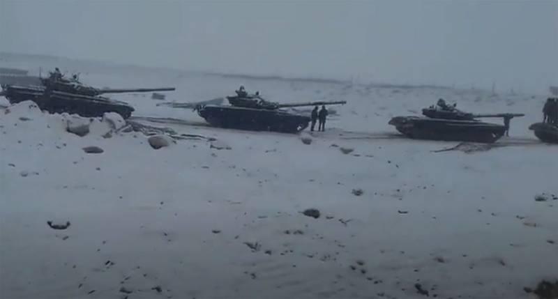 Индийское командование: Нужны лёгкие танки, а Т-72 и Т-90 слишком тяжелы для использования в высокогорном Ладакхе