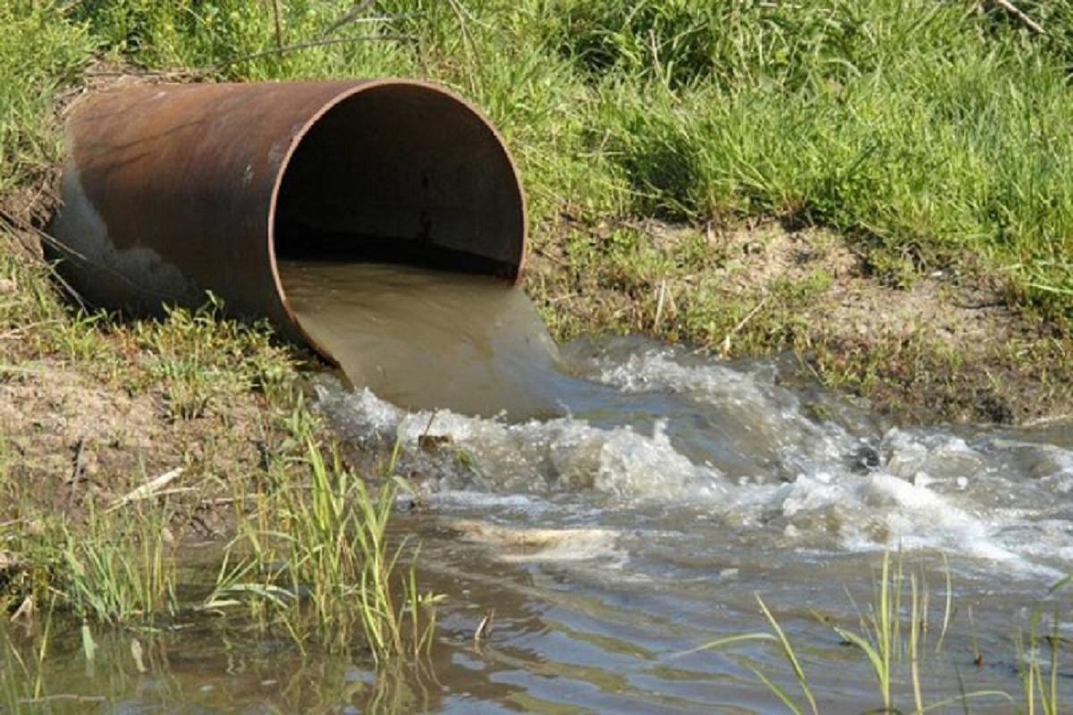 В Осташковском округе сбрасывали неочищенные сточные воды