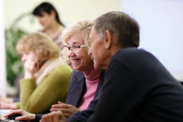Стало известно количество работающих пенсионеров в Тверской области