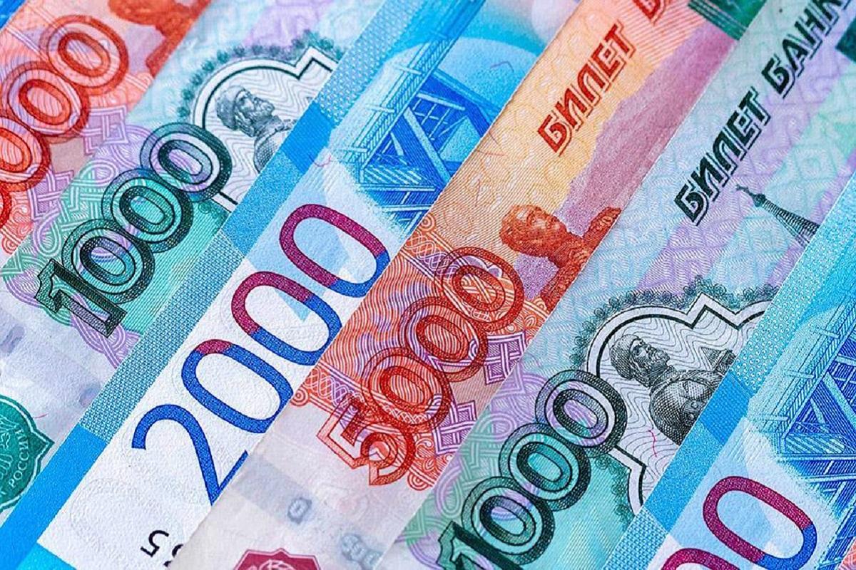 В России будут пять лет печатать новые деньги