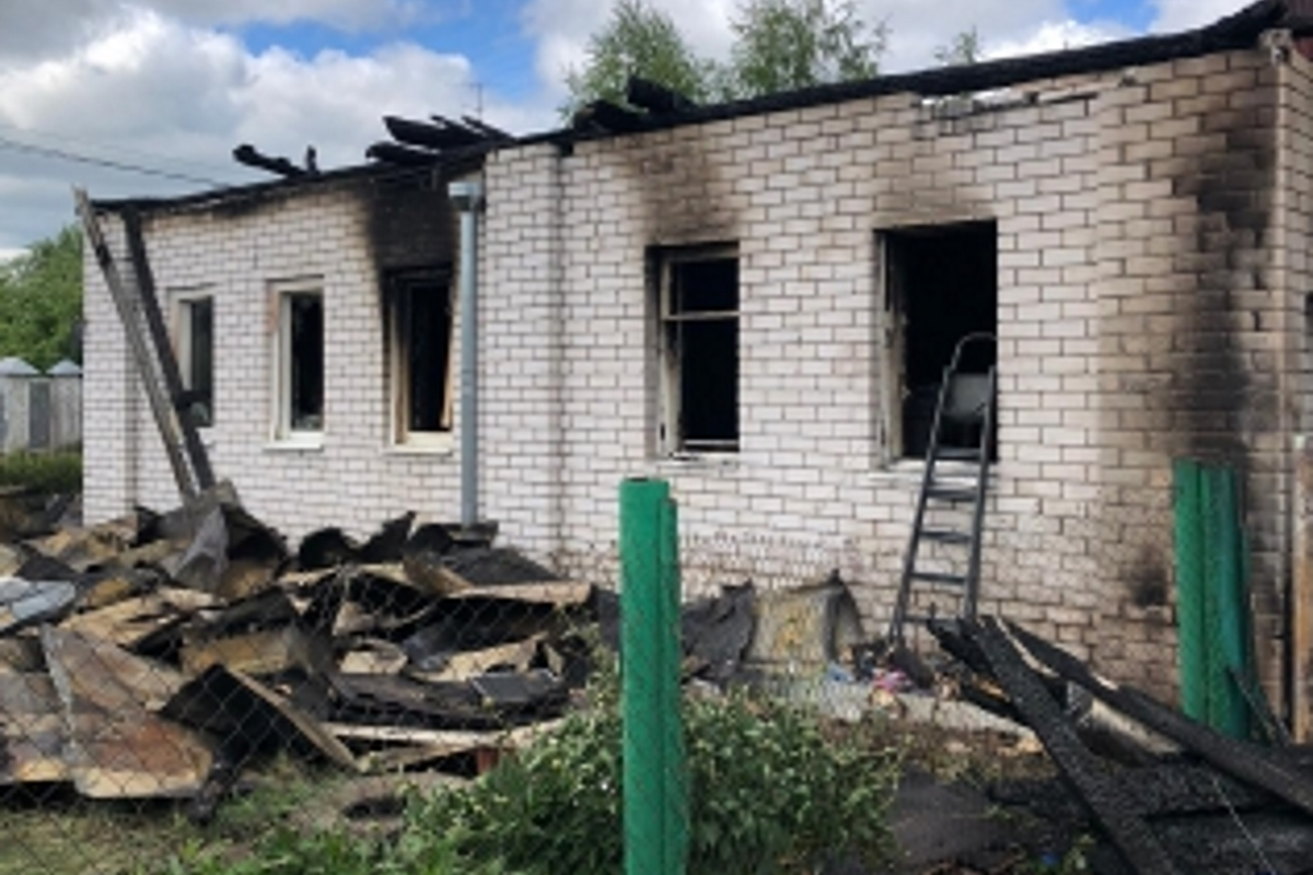 Малыша, пострадавшего на пожаре в Твери, доставили вертолетом в Москву
