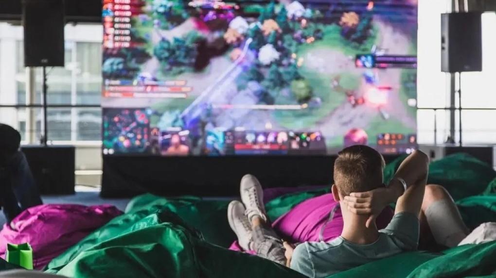 Новый сервис подписки для геймеров. Уральцы получат доступ к огромному каталогу мобильных игр