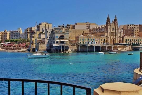 Власти Мальты намерены платить иностранным туристам за отдых в стране