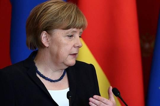 Ангела Меркель призвала к диалогу с Россией