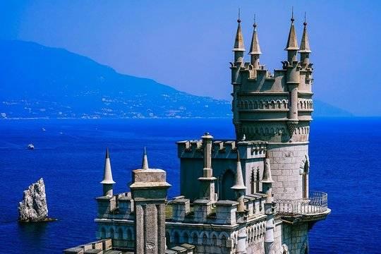 Глава Крыма заявил о напряженной ситуации с коронавирусом на курорте
