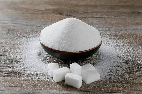Кабмин продлил заморозку цен на сахар и подсолнечное масло