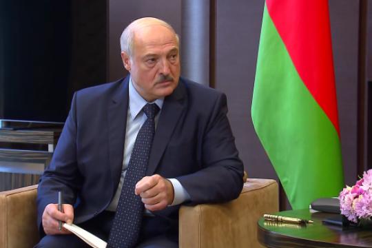 Лукашенко не хочет видеть в политике страны партии, спонсирующиеся из-за рубежа