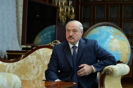 Лукашенко попросил белорусов потерпеть