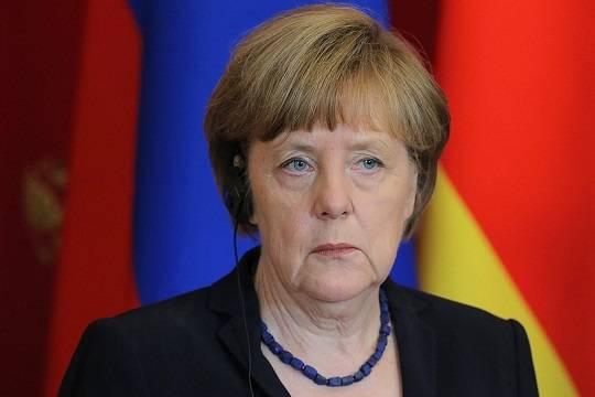 СМИ узнали о планах Меркель продлить локдаун из-за COVID-19