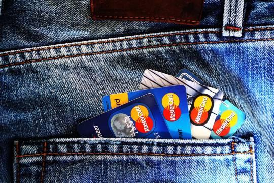 Телефонные мошенники украли у россиянки 400 миллионов рублей
