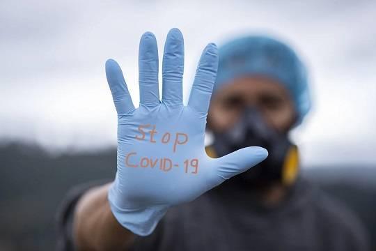 В России за сутки зафиксировано 9270 новых случаев заражения коронавирусом и 459 летальных исходов