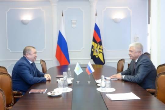 Владимир Колокольцев встретился с главой МВД Казахстана