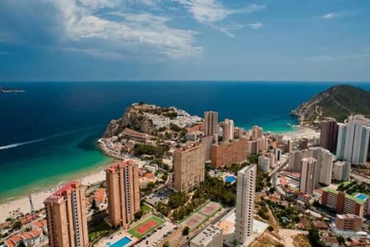 Холодный расчёт и горящие предложения растущего в ковид рынка недвижимости Испании