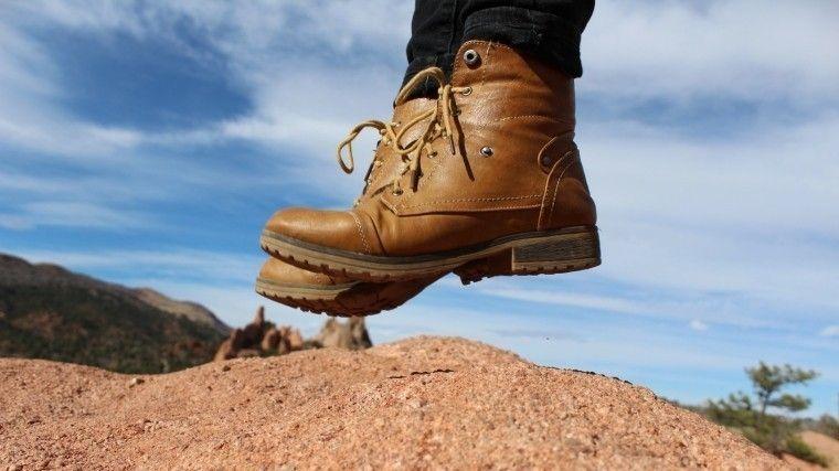 Как быстро разносить тесную обувь — простой и проверенный лайфхак