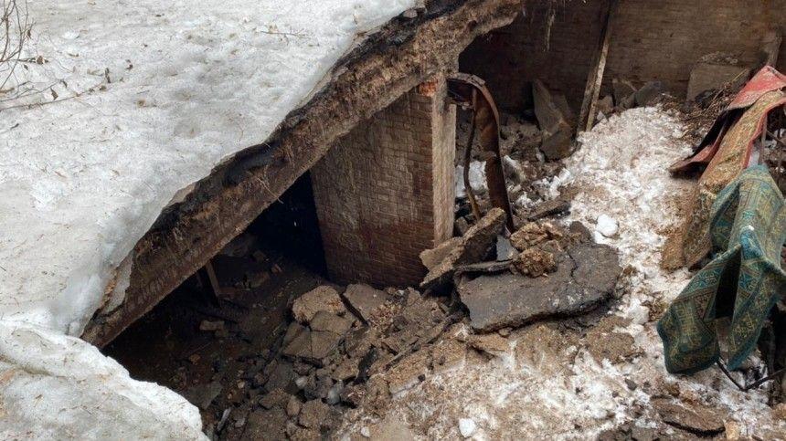 Фото: часть жилого дома обрушилась в Оренбурге, жильцов немедленно эвакуируют