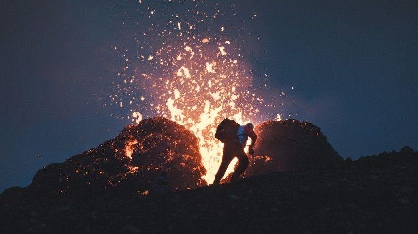 Туристов срочно эвакуировали с вулкана в Исландии
