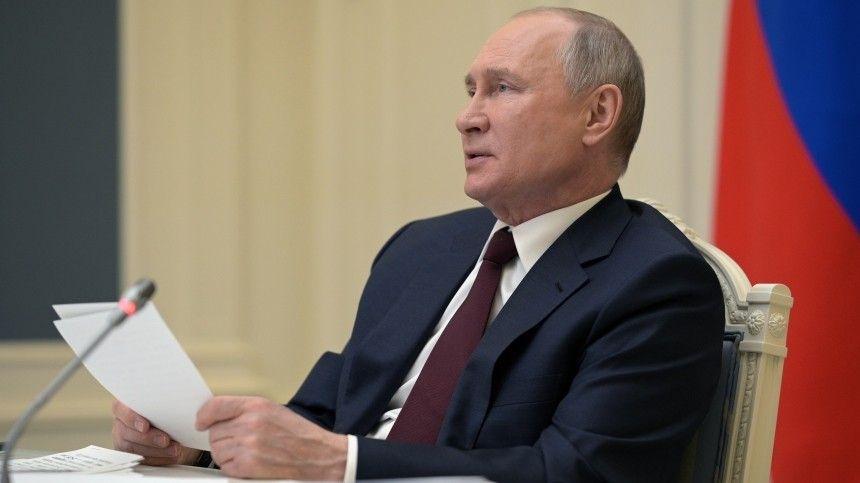 Только не отведи глаз: Байден отвернулся во время речи Путина на саммите