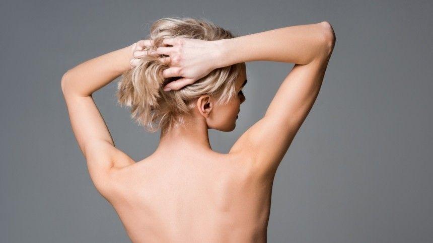 Снявший голых моделей в Дубае вернулся в РФ и первым делом признался жене в любви