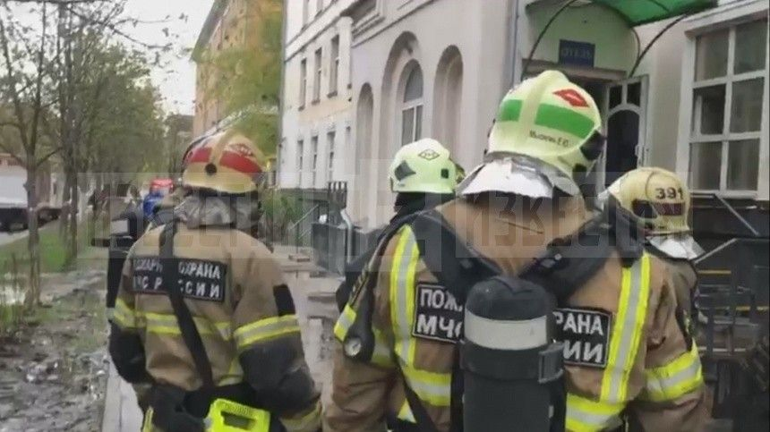 Прокуратура Москвы организовала проверку из-за пожара в гостинице «Вечный Зов»