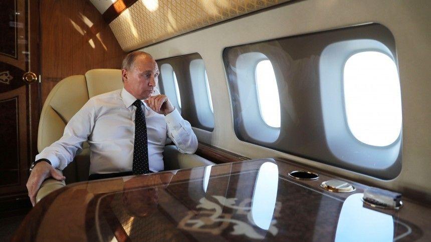 «Много работает»: экс-пилот Путина о поведении президента во время полета