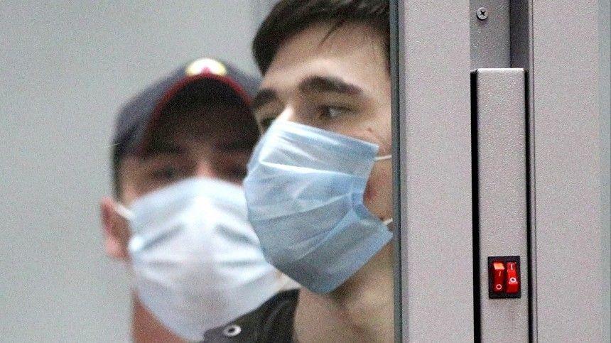 Прокурор: подозреваемый в стрельбе в Казани установил бомбу у входа в начальные классы