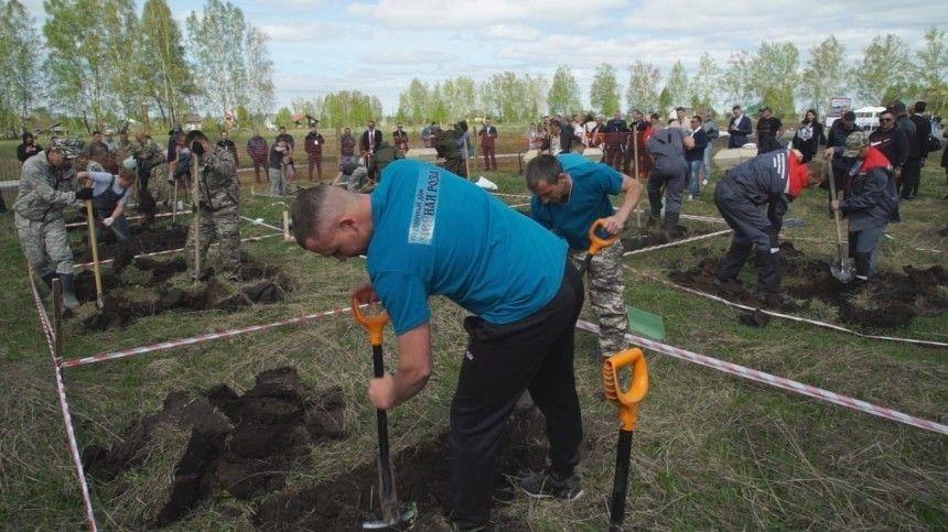 Отец и сын победили в конкурсе копщиков могил в Новосибирске
