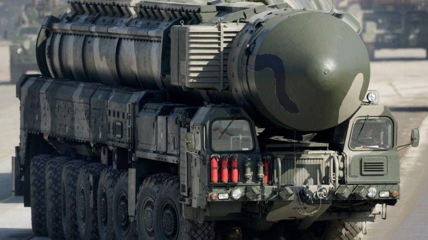 «Весь Запад напуган»: Какой страх Байдена перед Путиным объясняет желание встретиться с ним?