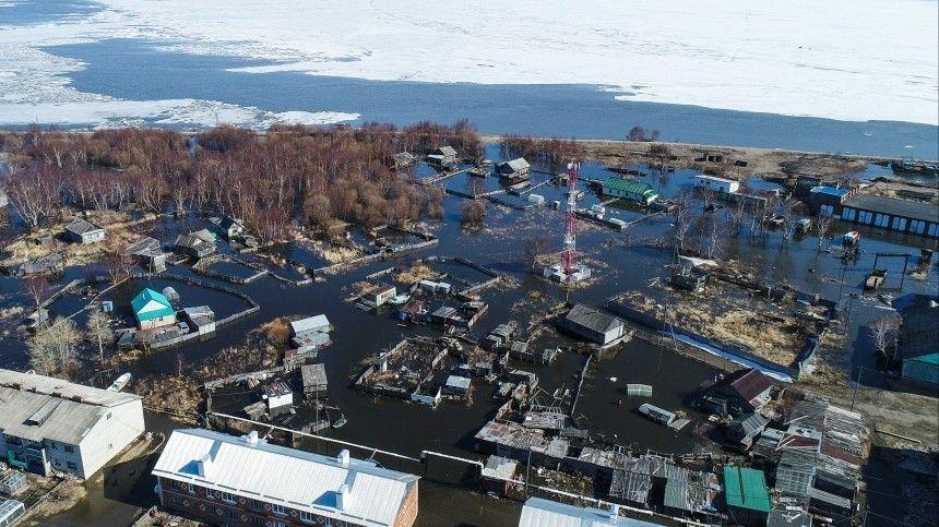 Вода все прибывает: как в разных регионах России противостоят паводкам?