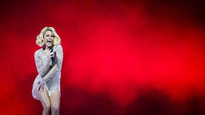 Уронила микрофон: танцор «спас» выступление Натальи Гордиенко на «Евровидении»
