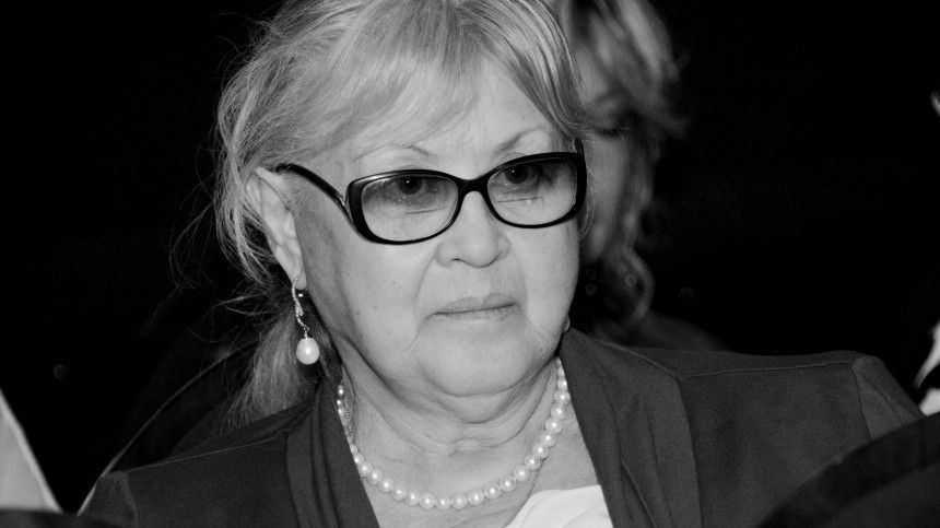 Как выглядит могила вдовы Филатова Нины Шацкой сразу после похорон? — видео