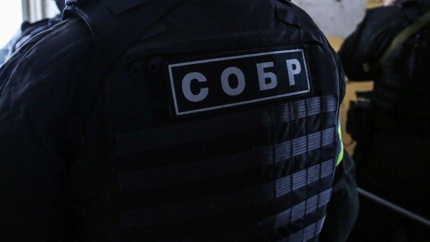 СОБР Росгвардии начал штурм квартиры стрелявшего в Екатеринбурге