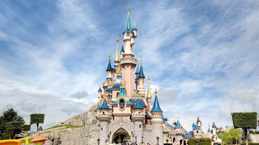 Парижский Disneyland открыл свои двери для посетителей после пандемии