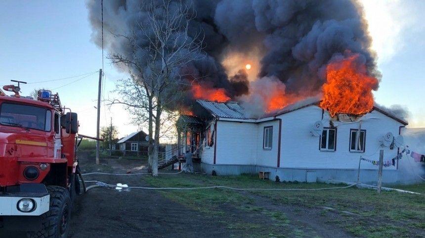 Два человека погибли в результате жуткого пожара на Камчатке — фото