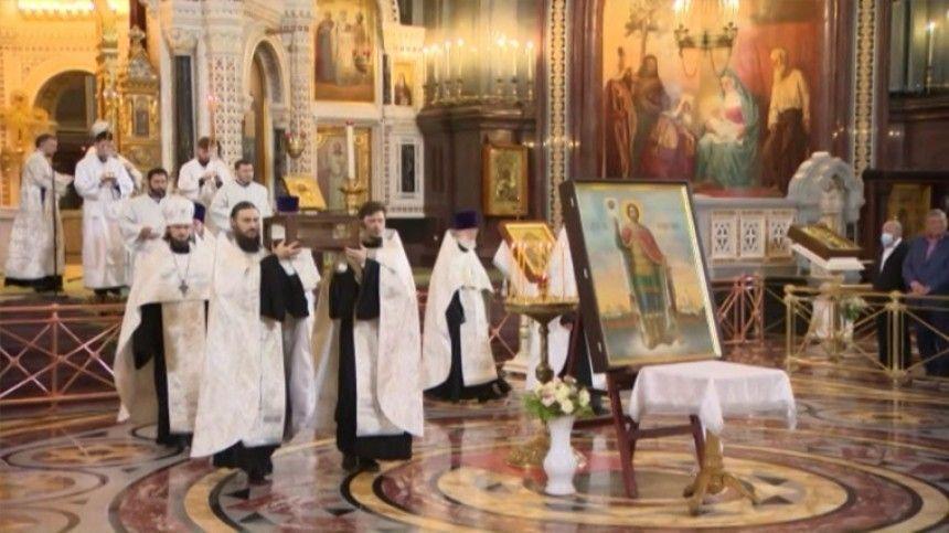 В Москве состоялся крестный ход с мощами Александра Невского