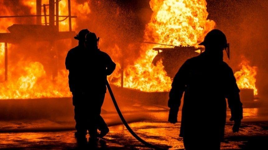 «Полыхал лед»: очевидец рассказал о пожаре после прорыва на нефтепроводе в Югре