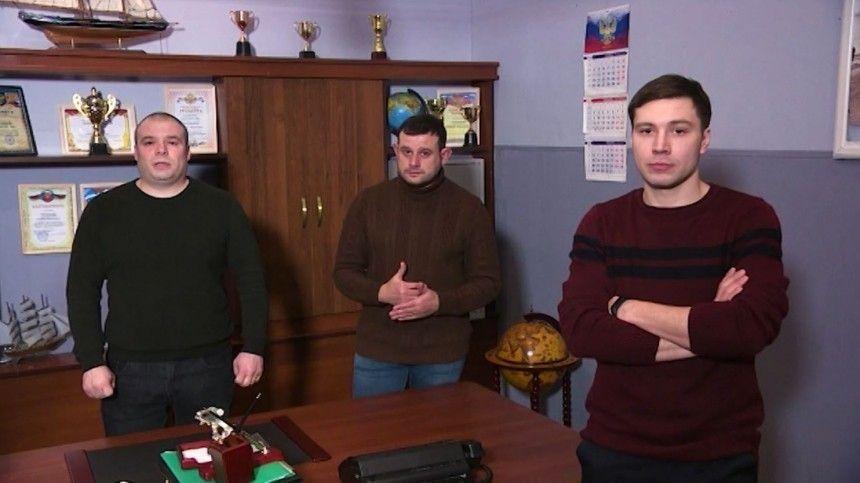 Звезды сериала «Великолепная пятерка» призвали россиян вакцинироваться