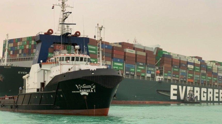 Каждый час мировая торговля теряет 400 млн долларов из-за пробки в Суэцком канале