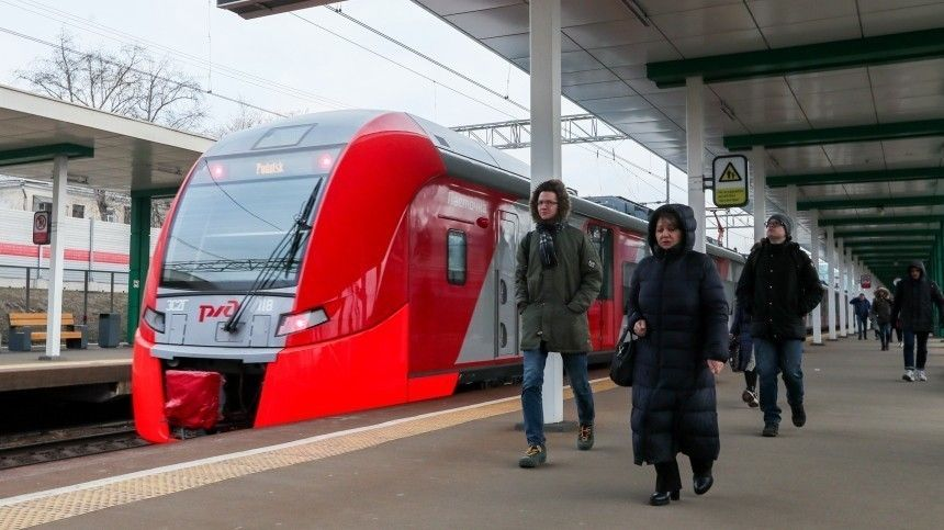 «Была вместе с ним»: жена сбитого поездом отговаривала мужа прыгать на пути