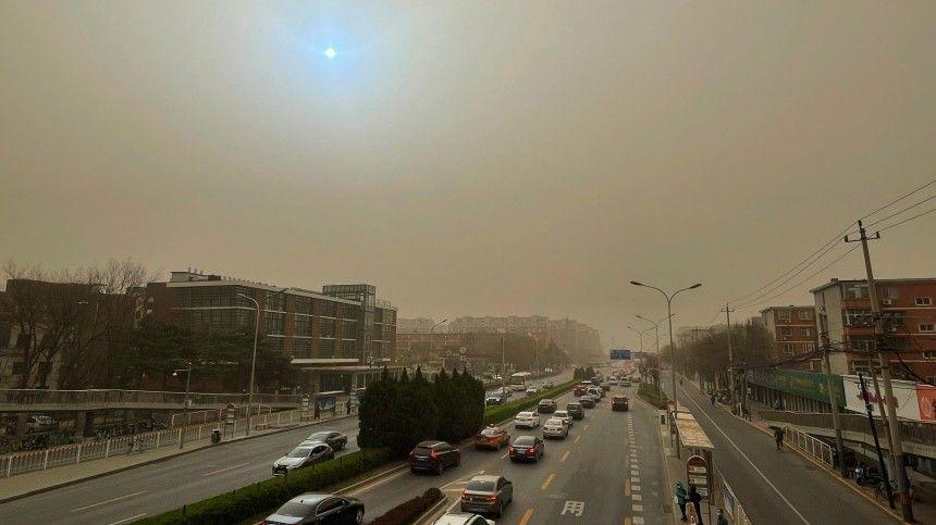 Столицу Китая вновь накрыла сильнейшая песчаная буря