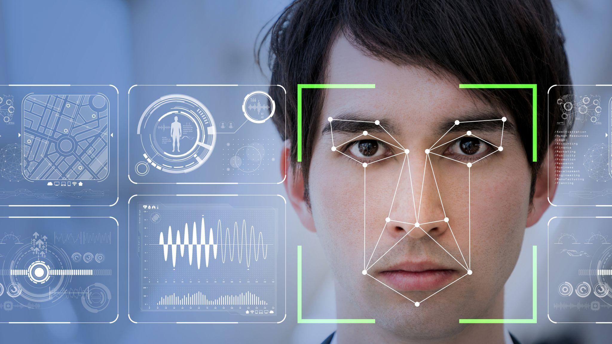 Из-за технологии распознавания лица арестовали невинного человека