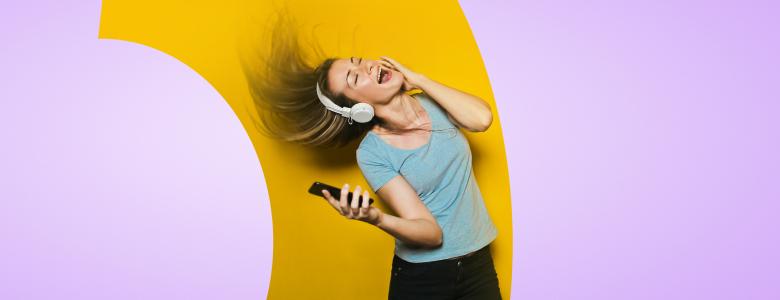 «Связной» устроил распродажу в честь дня рождения первого телефона