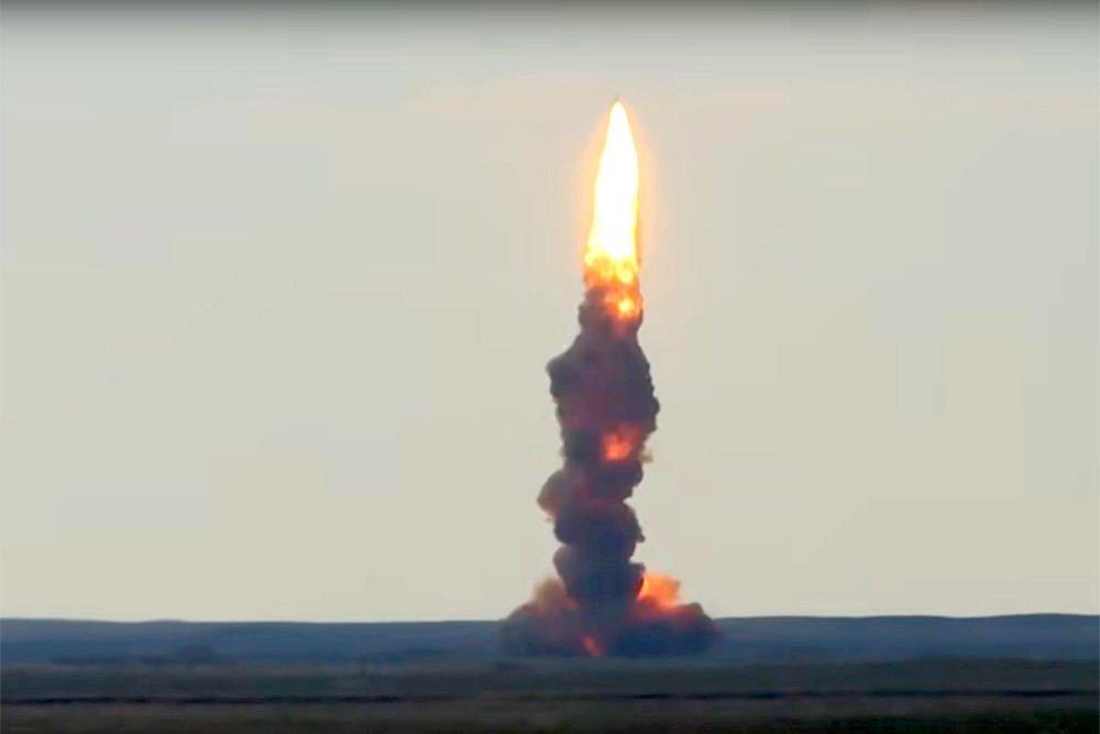 На видео показали стрельбу новой российской противоракетой