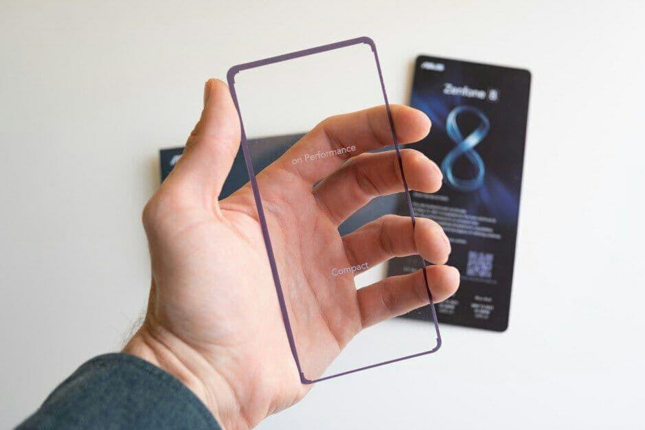 Раскрыты характеристики компактного флагманского смартфона ASUS Zenfone 8 Mini