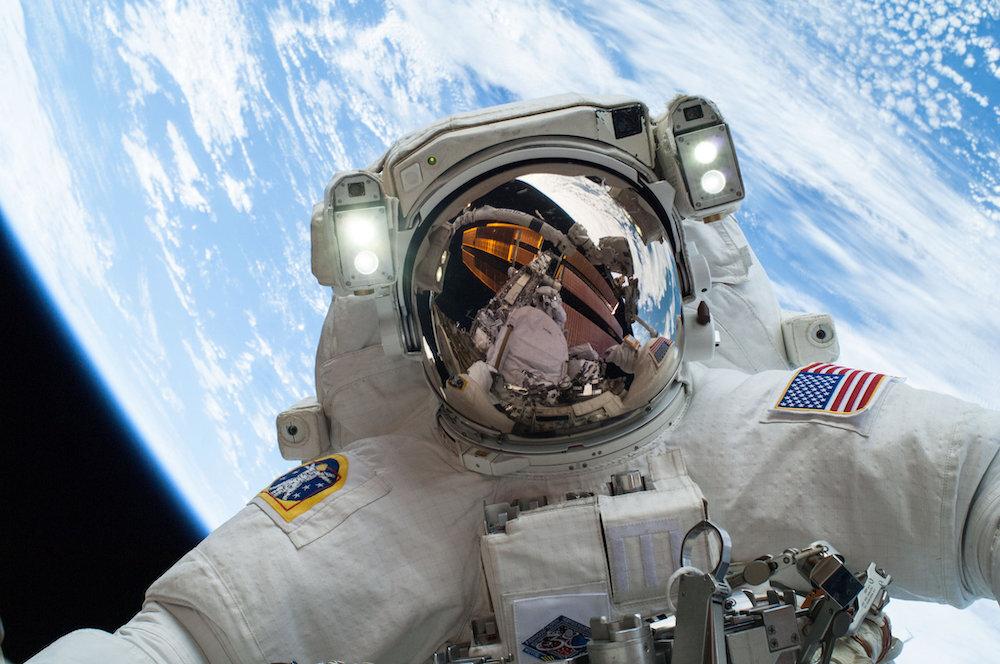 Астронавт сравнила полёт на российском «Союзе» с Crew Dragon Илона Маска