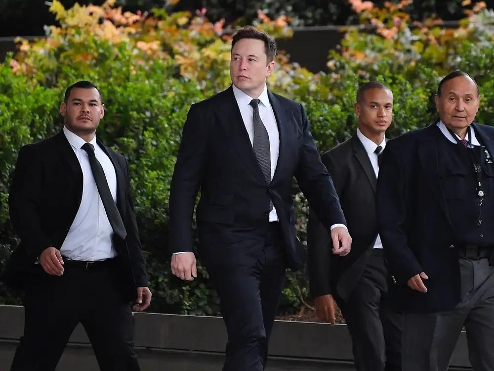 Илон Маск ответил на вызов на бой от бойца UFC